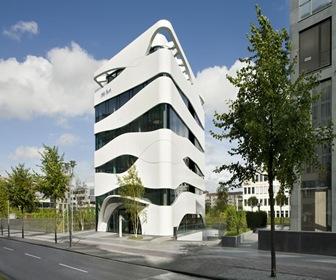 Otto-Bock-fachada-de-edificio-basada-en-fibras-musculares
