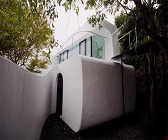 diseño-de-casa-futurista-con-celuloide-