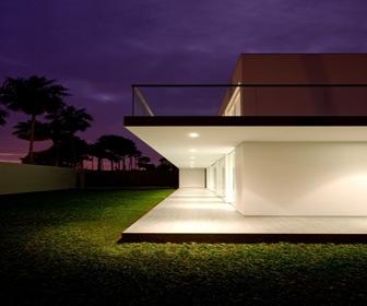 Vivienda unifamiliar moderna arquitecto javier artadi for Casas modernas renders
