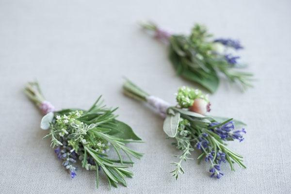 [diy-wedding-boutonniere1[7].jpg]