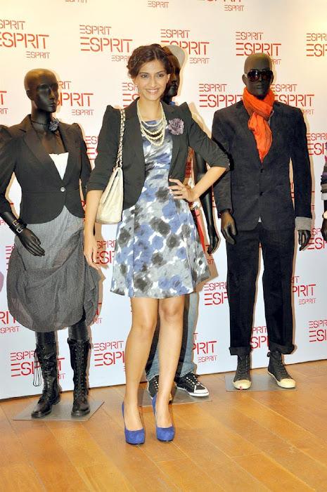 sonam kapoor launch esprit store hot images