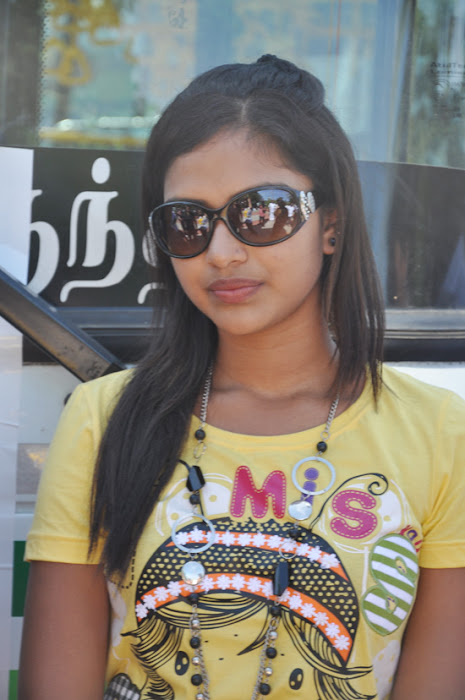 amala paul at mynaa bus event photo gallery