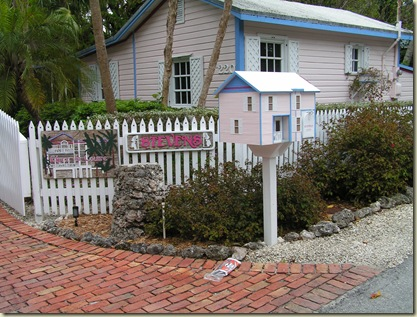 Mailbox Pink House