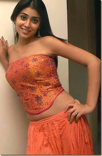 Shriya-FrontPhotos-002