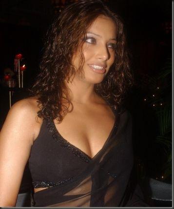Bipasha basu sexy bollywood actress pictures 300610