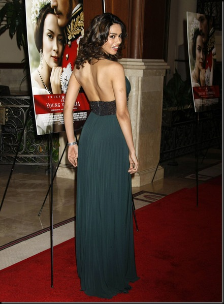 Mallika Sherawat sexy back