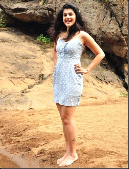 tapsee Vandhan-Vendran-Latest-Stills-01