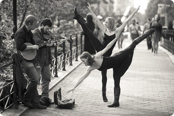 dance_couple_bw