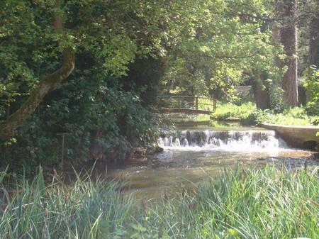 Bonito riacho em Glympton