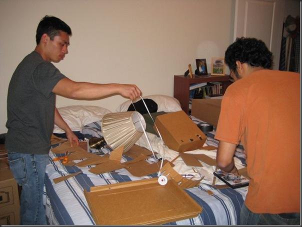 Replicas divertidas de papelão (14)