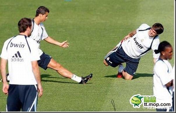 A bela amizade de Cristiano Ronaldo e Kaká (27)