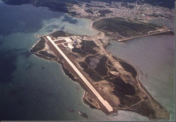 Vista aérea de pistas de aeroportos (7)