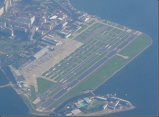 Vista aérea de pistas de aeroportos (6)