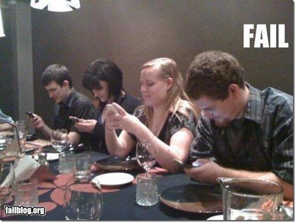 Jantar animado entre amigos