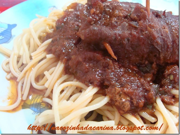 espaguete-com-bracciola