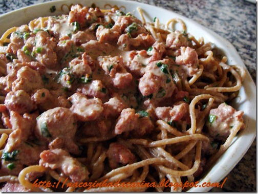 espaguete-com-linguiça-ao-creme-02