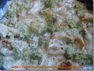 brócolis-ao-alho-e-óleo-com-requeijão
