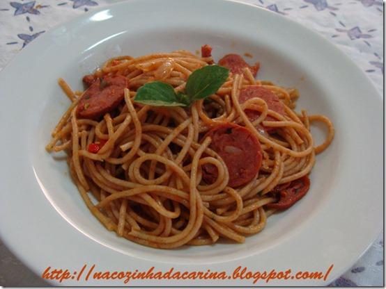 espaguete-como-molho-de-calabresa-01
