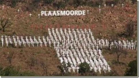 FarmMurdersMonumentSouthAfricaPietersburg_thumb[2]