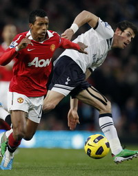 Nani with Balse in Manchester United - Tottenham HotSpur