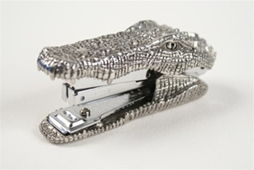 pewter-crocodile-stapler-2T