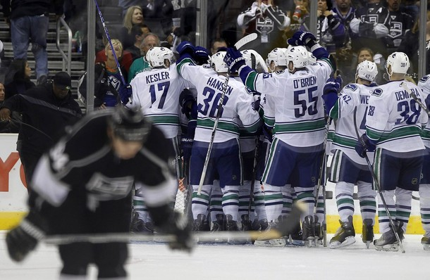 canucks_kings_game6_2.jpg