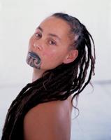 moteris maorė