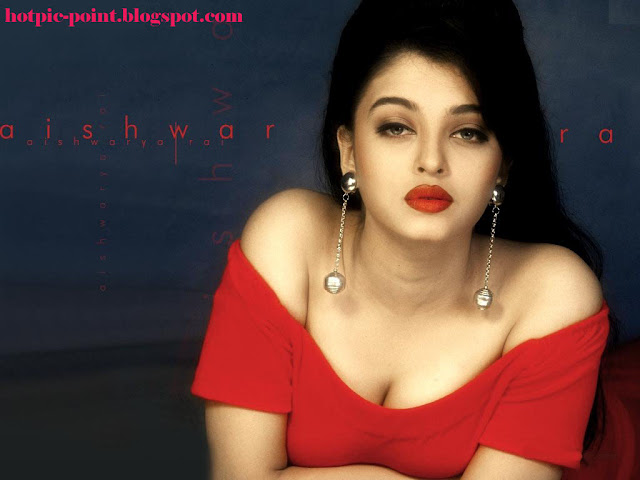 Hot India Actress Sexy with Red Cloth