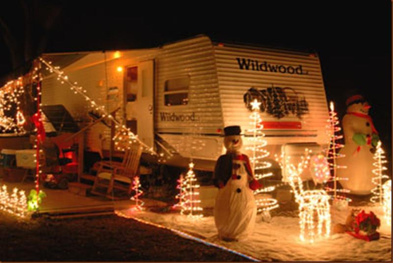 390x261xbert-jane-gildart-rv-christmas-decorations_jpg_pagespeed_ic_b36s_S4rr7