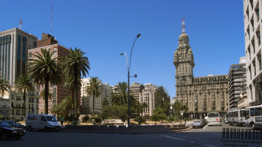 Plaza Independencia with Salvo Palace in Montevideo, Uruguay