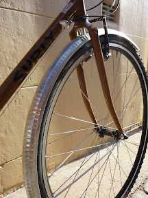 Honjo Fenders installed on a Surly Crosscheck, with custom long daruma under the fork crown.