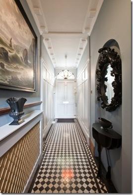 Casa de Valentina - via ShootFactory - 2 estilos na mesma casa em Londres - corredor