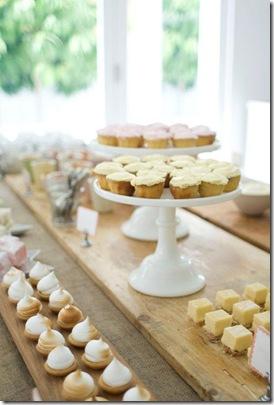 Casa de Valentina - via Brides Little White Book - um chá de bebe rústico em tons claros - organização da mesa