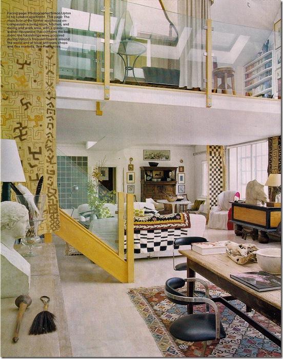 Comprar móveis - via Elle Decor - sala branca com pé direito alto