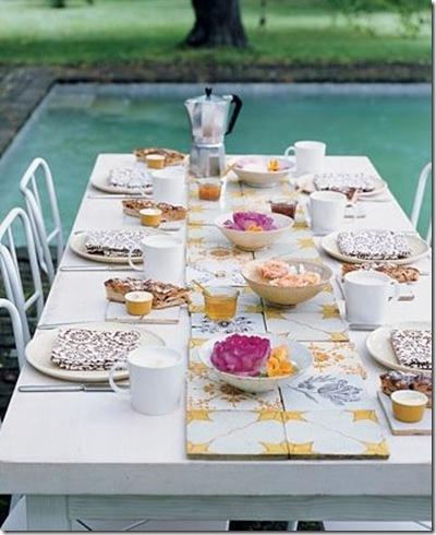 Azulejos na mesa via Delikatissen