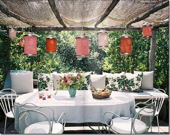 Casa de Valentina - Revista Lonny Magazine - almoço ao ar livre