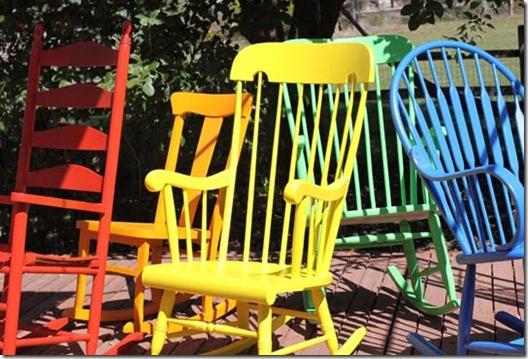 Casa de Valentina - via ohdeedoh - cores nas cadeiras
