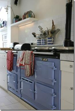Casa de Valentina - via ShootFactory - fogão lilás