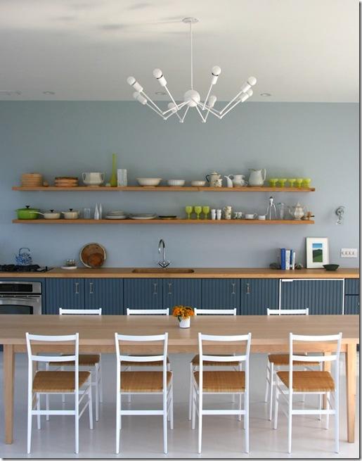 Casa de Valentina - via Flickr ohh food - prateleiras organizadas