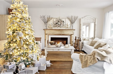 Christmas-Tree-White-Room-HTOURS1206-de[1]