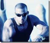 El actor Vin Diesel (encarnando a «Riddick») saltó a la fama gracias a esta película