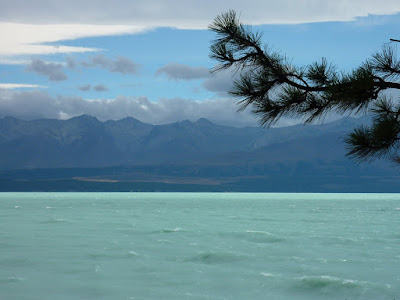 Lake Pukaki and moody mountains