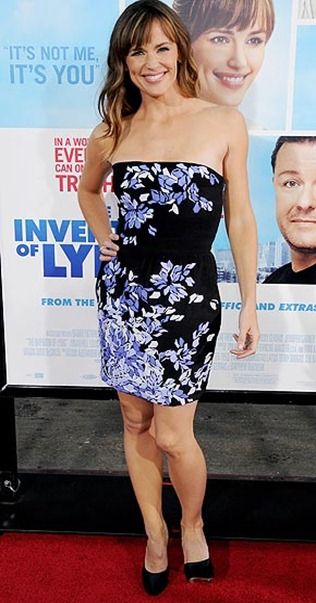511af589e61d524f_Jennifer_Garner_at_the_Hollywood_premiere_of_The_Invention_of_Lying