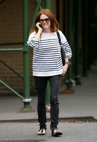 julianne_moore_breton_shirt_092509_splash_m