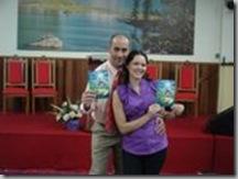 livro Pastor Alessandro com sua Esposa
