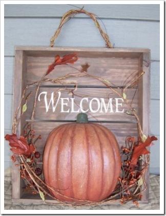 autumn-pumpkin-welcome-wall-hanging