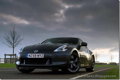 Nisan-370Z-Black-Edition-2