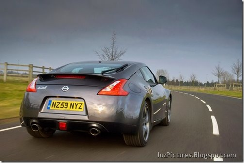 Nisan-370Z-Black-Edition-4