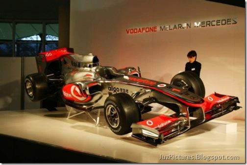 McLaren-MP4-25-15