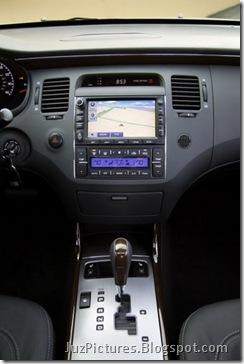 2011-Hyundai-Azera-11